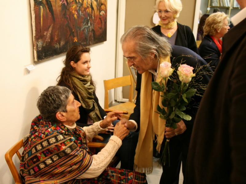 Thomas Frankl congratulating Soshana