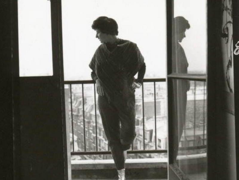 Soshana on the balcony of her appartment | Paris 1962