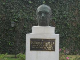 Statue of Isidro Fabela